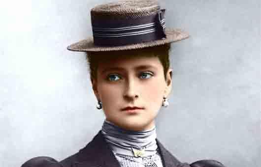 Какое домашнее имя носила последняя русская императрица