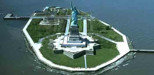 Создатель знаменитой статуи Свободы у входа в порт Нью-Йорка