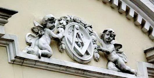 «Недвижимая драгоценность» среди масонских символов