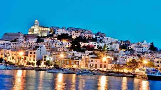 Какой остров жители Карфагена когда-то посвятили богу эротики и развлечений