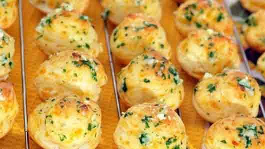 Французская сырная булочка