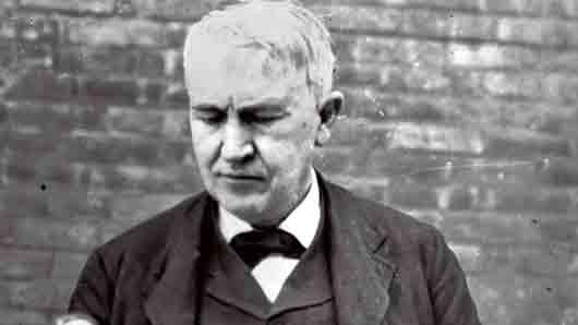 Что Томас Эдисон впервые сделал с помощью фонографа