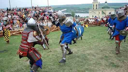 Групповая схватка на рыцарском турнире