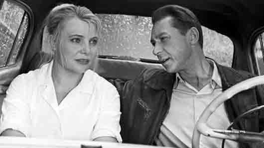 К кому из родни приезжает в Москву героиня фильма «Три тополя на Плющихе»