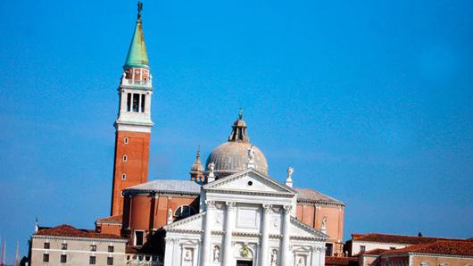Какой архангел «глядит» с колокольни собора Сан-Марко в Венеции