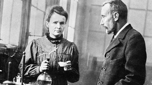 Муж и жена в единице радиоактивности