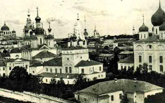 Какой город приказал заложить Иван Грозный, когда шел третьим походом на Казань