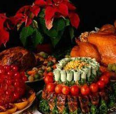 Перебор с яствами на праздничном столе (48)