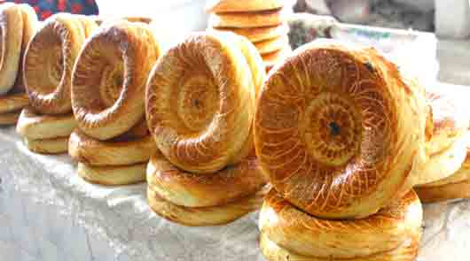 Пшеничная лепешка у узбеков