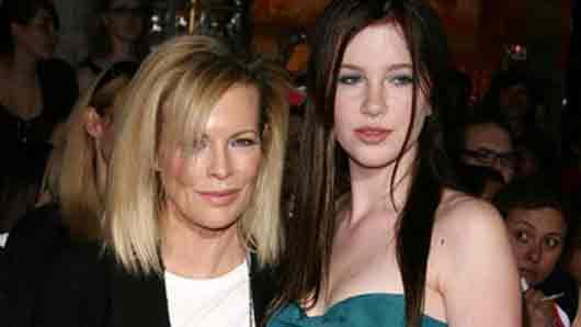 Кто из голливудских звезд стал «воскресным папой» для дочери кинодивы Ким Бэйсингер