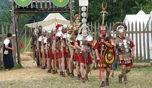 Знаменосец древнеримского легиона