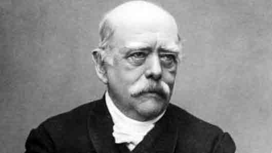 Кто противостоит князю Горчакову в романе «Битва железных канцлеров»