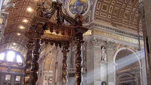 Откуда привезли шелковый балдахин для собора св. Петра в Риме