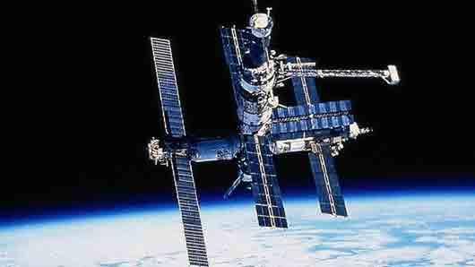 С каким актёром Ольга Кабо проходила подготовку для полета на космическую станцию «Мир»