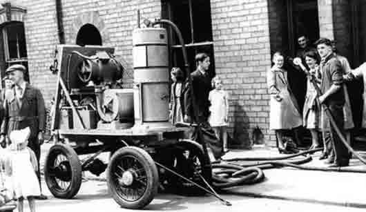 Кто изобрел первый вакуумный пылесос