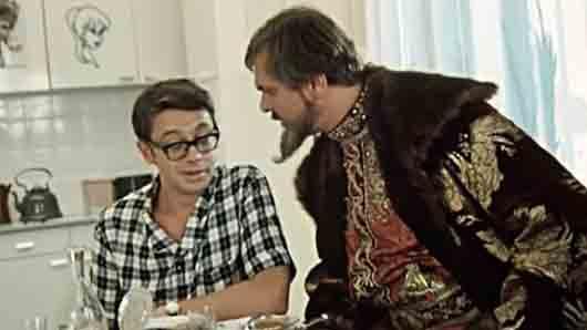 Профессия жены героя комедии «Иван Васильевич меняет профессию»
