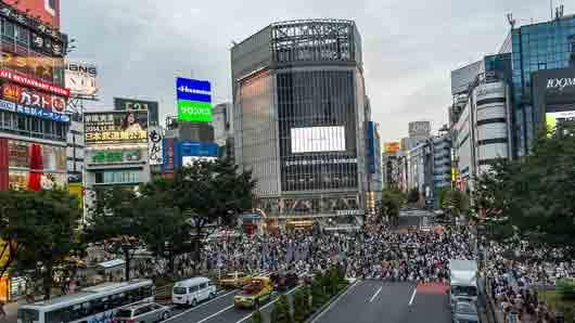 Азиатская столица с самым большим в мире пешеходным перекрестком
