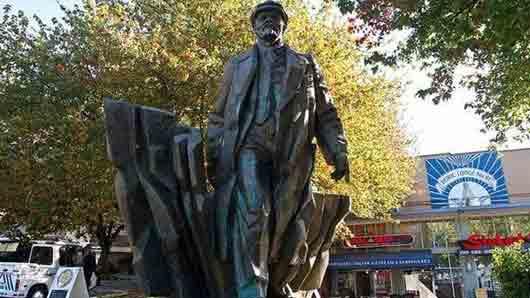 Город с самым большим в США памятником Владимиру Ленину