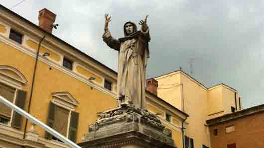 Диктатор Флоренции, чей стул попал в роман «Утраченный символ»