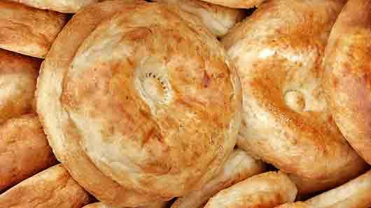 Пшеничная лепешка у таджиков