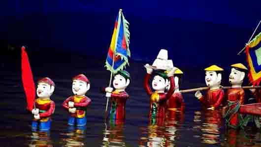 Страна с театром кукол на воде
