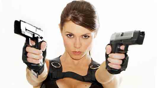 Спортивное амплуа британки Элисон Кэрролл, ставшей моделью при создании образа Лары Крофт
