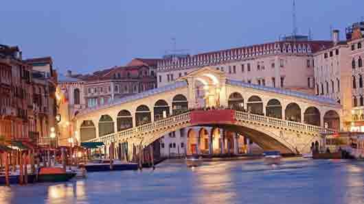 Какой мост стал символом Венеции