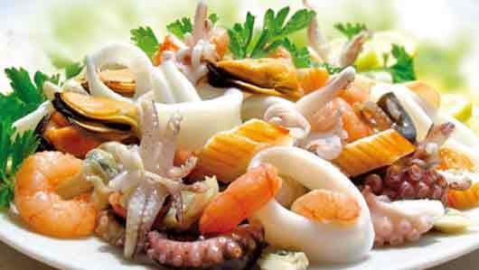 «Непременный компонент» салата из морепродуктов