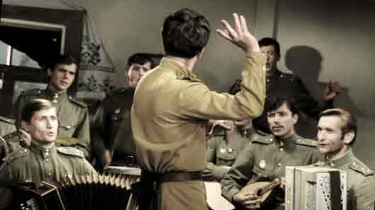 Кто написал слова к популярной военной песне «Смуглянка»