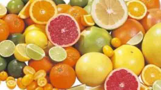 Между прочим, апельсины, мандарины, лимоны и грейпфруты повышают … кровеносных сосудов
