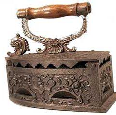В качестве чего еще использовали угольный утюг, кроме глажения белья, колки орехов, чеснокодавки
