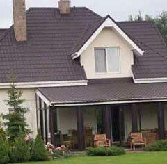 Розарий под окнами частного дома (10 букв)